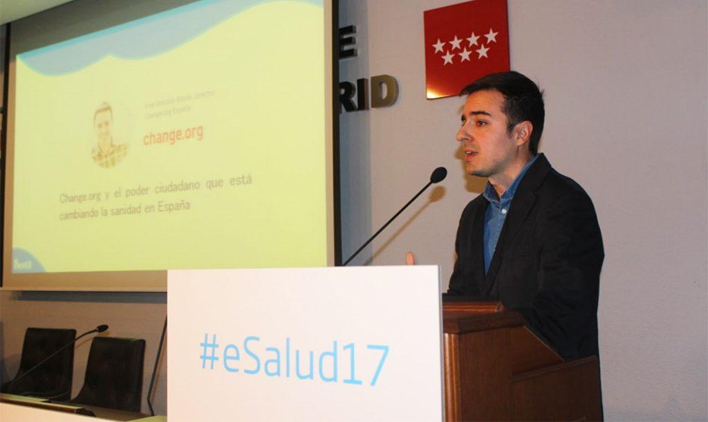 José Antonio Ritoré, director de Change.org España, durante su conferencia 'Change.org y el poder ciudadano para cambiar la sanidad en España'